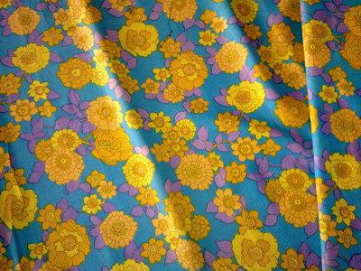 Taglio scampolo stoffa cotone aida trama larga giallo viola azzurro fiori vintage anni 70