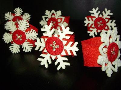PORTATOVAGLIOLI IN FELTRO fiocco di neve e bottone cucito con filo dorato, handmade Collezione Speciale Natale