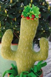 Cactus in tessuto fatto a mono