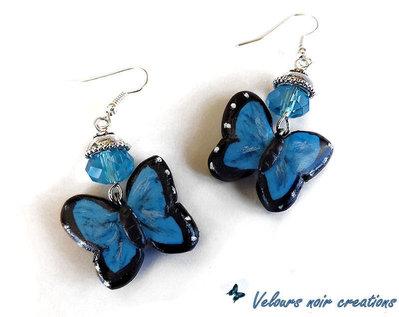 orecchini farfalla blu creati a mano in fimo