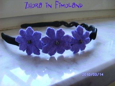 Cerchietto per capelli con fiori in feltro