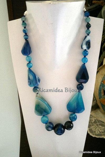 Collana di agata blu striata