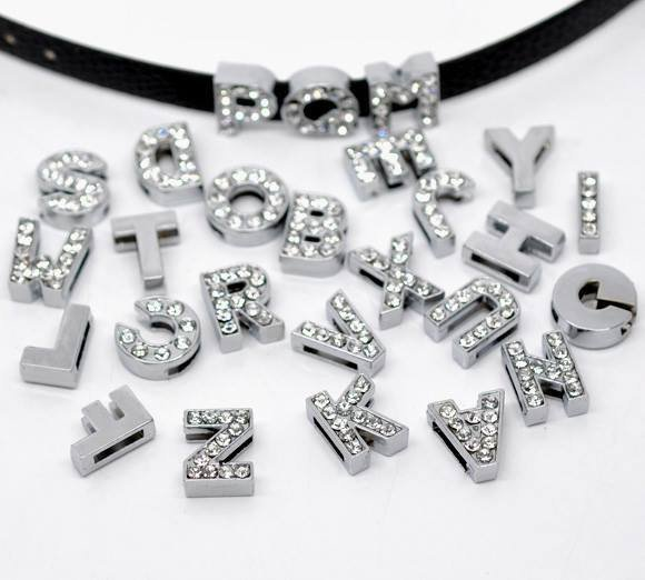 molto carino 1091d 230df 130 Mix Perle con Strass Lettere A-Z Tono Argento per Cinturini in  prenotazione
