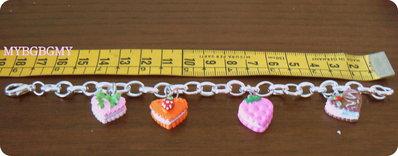 braccialetto bambina/ ragazza con cuoricini