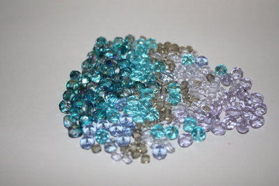 Lotto 6 - mix cristalli perline - 50gr + di 70pz