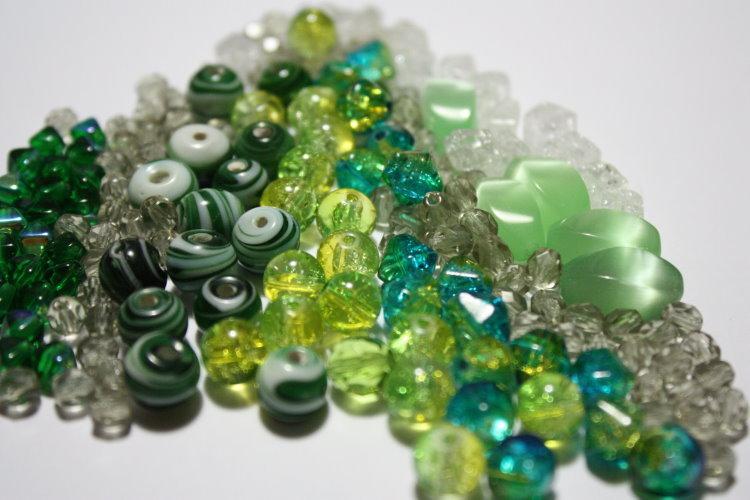Lotto 19 - mix perline vetro - 60gr + di 60pz