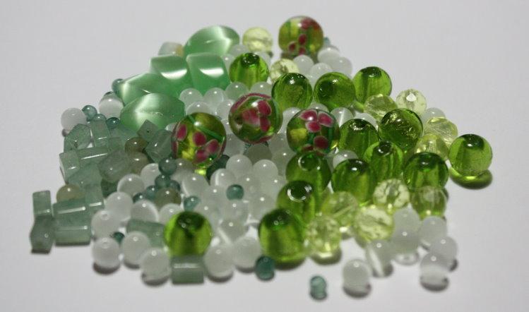 Lotto 20 - mix perline vetro - 70gr + di 70 pz