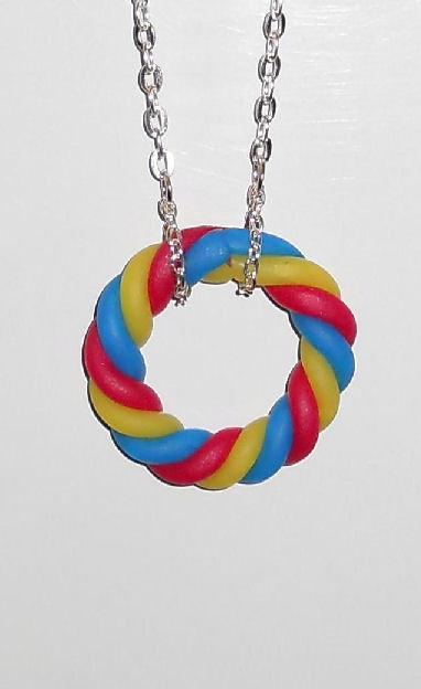 Collana con catena e ciondolo a treccia in pasta fimo - mod.h02