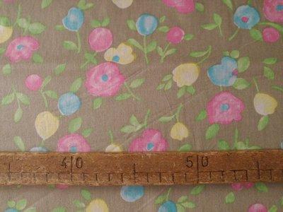 Taglio scampolo stoffa cotone fiori colori pastello su sfondo tortora vintage anni 70