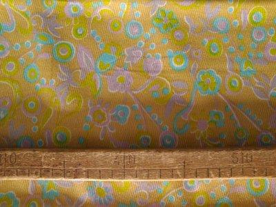 Taglio scampolo stoffa cotone picchè piquet fiori viola su sfondo giallo vintage anni 70