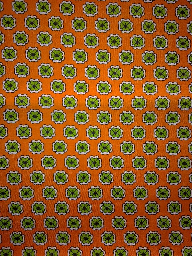Taglio scampolo stoffa cotone arancio quadrifogli verdi vintage anni 70