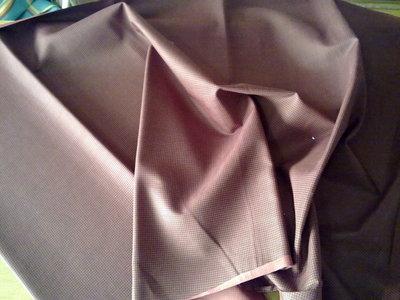 Taglio scampolo stoffa cotone effetto sfumato trama rosso nero vintage anni 70