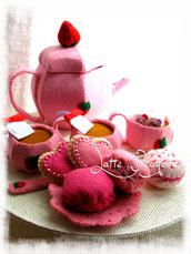 """Giocattolo in feltro """"Set da tè fragola"""" con macaron & Biscotti - Cibo e alimenti in feltro per bambini  """"tè rimovibile!"""""""