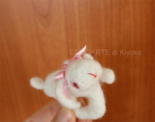Anello coniglio ariete bianco in feltro