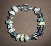 Bracciale con perle in vetro di murano e beads argentati