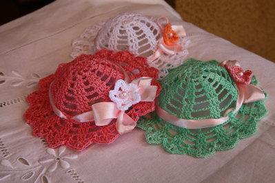 Bomboniera uncinetto a forma di cappellino per bambina - Feste - Bo ... 3c65c7c24673