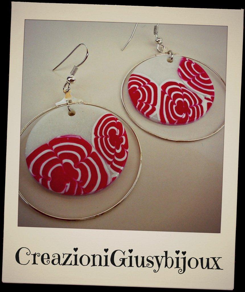 Orecchini tondi con fiore murrina rosso perlato in fimo handmade