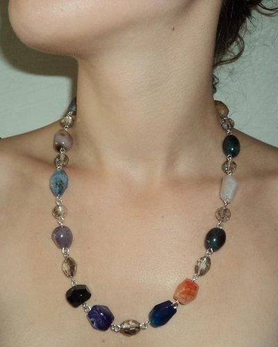 Collana Realizzata in Pietre Vere di diversi Colori