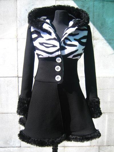 Unico cappotto bianco e nero