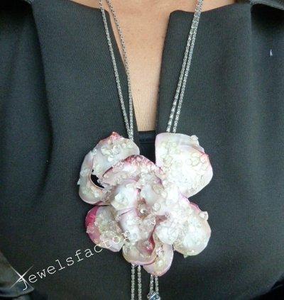 Collana con fiore di magnolia Sospeso Trasparente