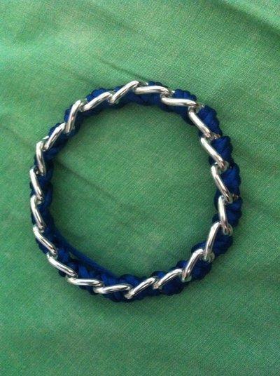 bracciale rigido con corda e catena
