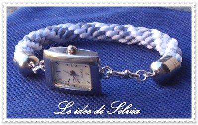 Orologio con bracciale in seta