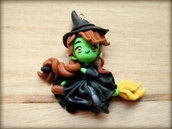 Ciondolo in fimo Elphaba (Wicked)