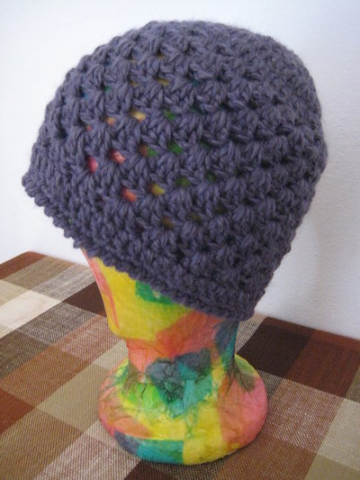 Cappello lana uncinetto viola