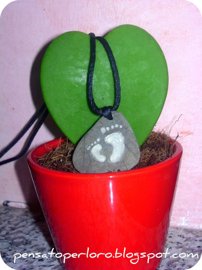 Pebble necklace sea stone- Baby and mom footsteps