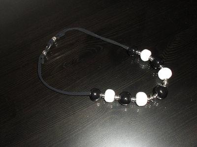 collana bianco nero