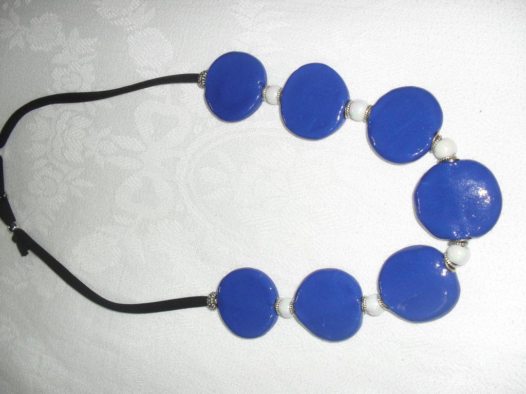 collana blu grande