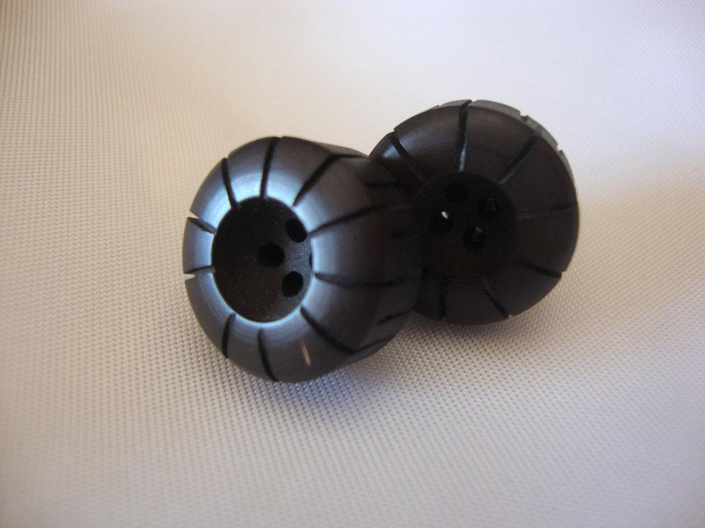 orecchini bottoni marrone!!!