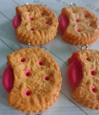 3 Biscotti Farciti al Lampone in resina