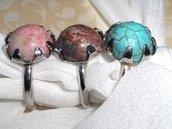 Anello con pietre dure e semipreziose in tutti i colori sfaccettate e non