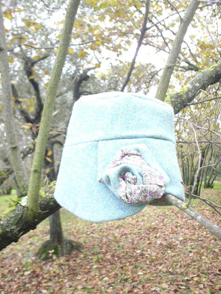 Cloche turchese in tessuto di lana