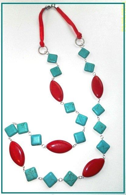 Collezione 2013:collana con turchese e pietre di gesso..
