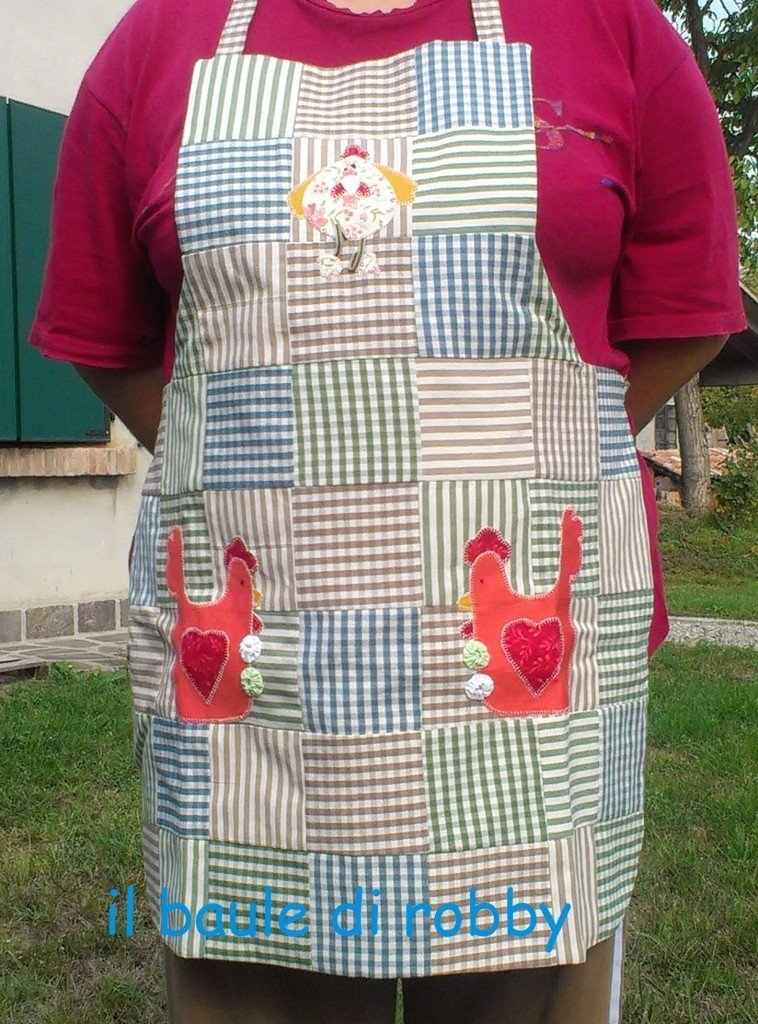 Grembiule stile patchwork con applique galline