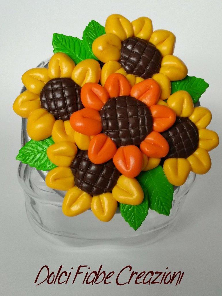 Biscottiera decorata con girasoli