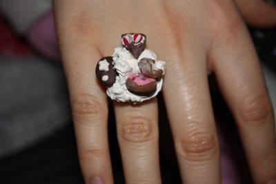 anello con dolci in fimo!