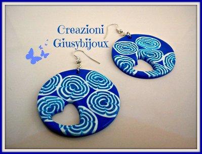 Orecchini  Murrina blu  tondi in fimo con ritaglio a cuoricino  handmade Italy