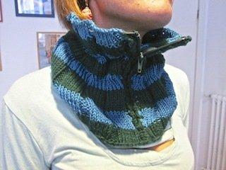 Sciarpa bicolore in lana con zip