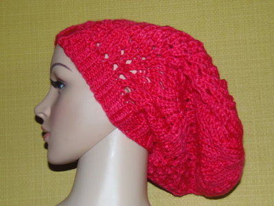 cappello uncinetto rosso