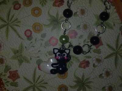 collana con gattino nero...
