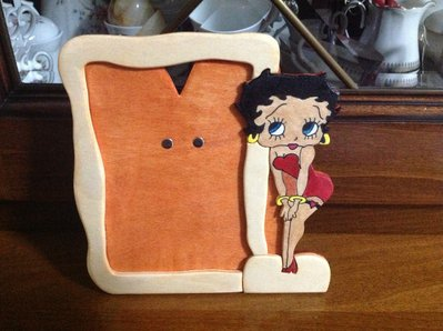 cornici portafoto in legno fatte a mano betty boop, segni zodiacali, hello kitty, minnie, gufi