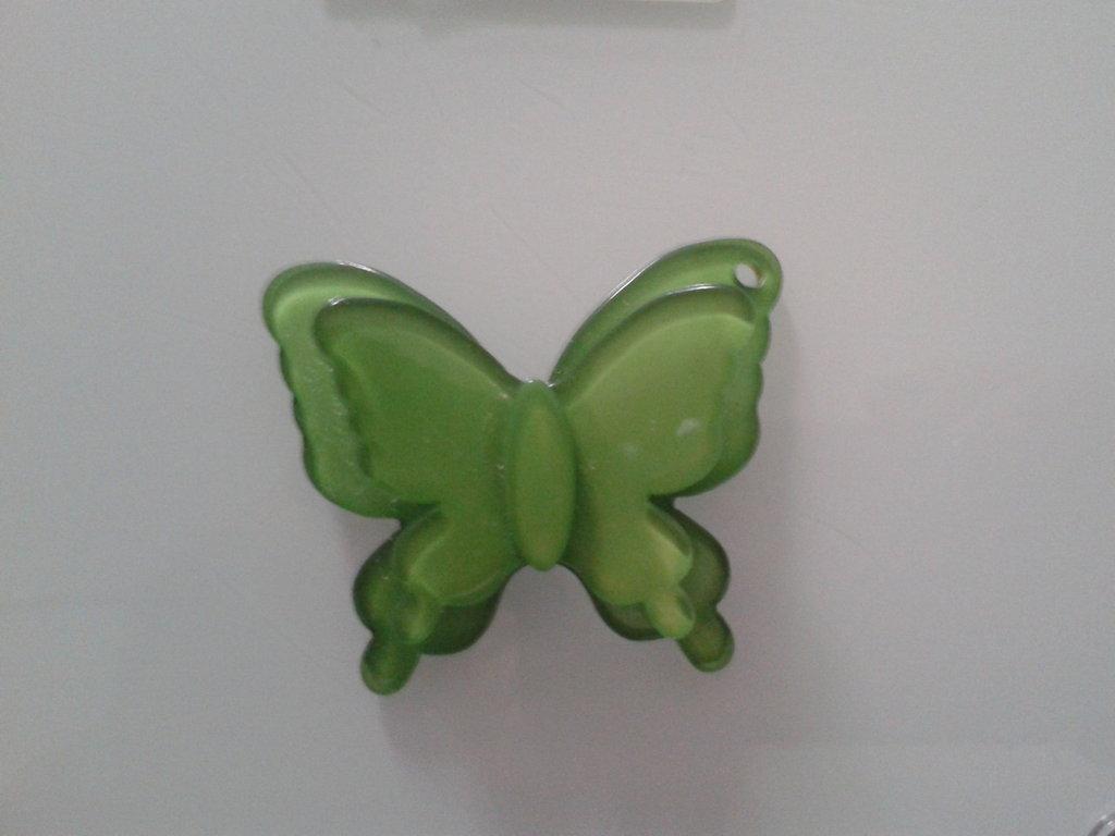 1 maxi charm farfalla verde 40x46mm