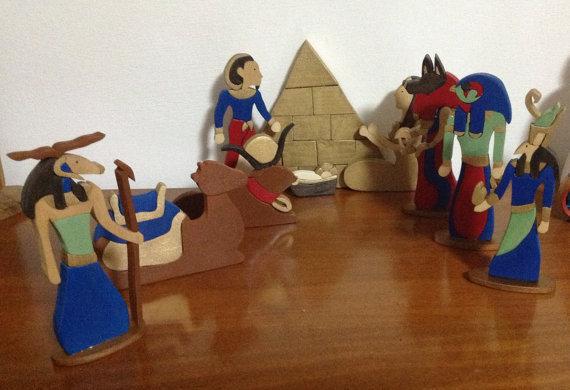 Presepe Egiziano completamente in legno dipinto a mano 10pezzi