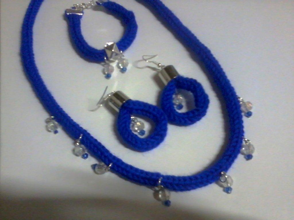 completo collana, bracciale, orecchini tricotin