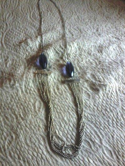 collana bigiotteria colore argento con pietre