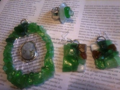 completo collana, bracciale, orecchini pietre verdi di mare