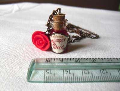 Collana Vampire Blood